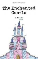 THE ENCHANTED CASTLE Paperback