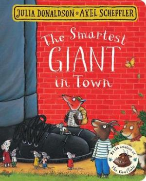 THE SMARTEST GIANT IN TOWN  Paperback